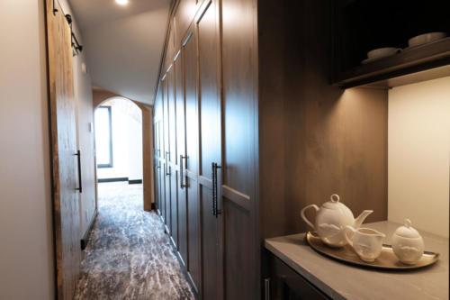 221TC  master suite