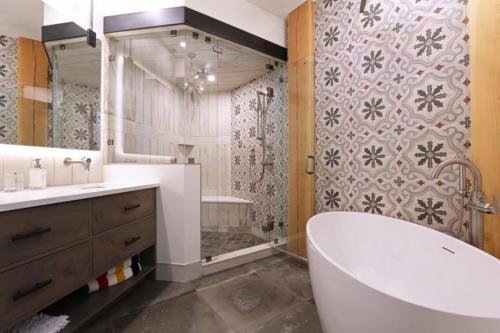 283TC  bath 5